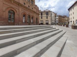 03-marsciano-stairs.jpg